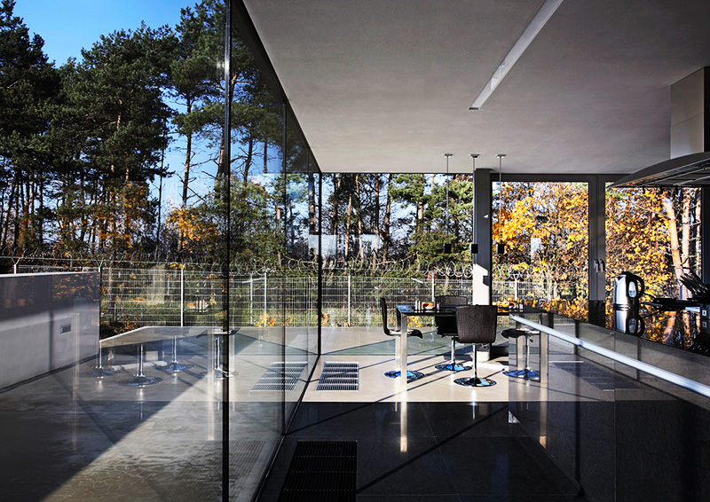 Everything You Should Know About Frameless Glass Walls
